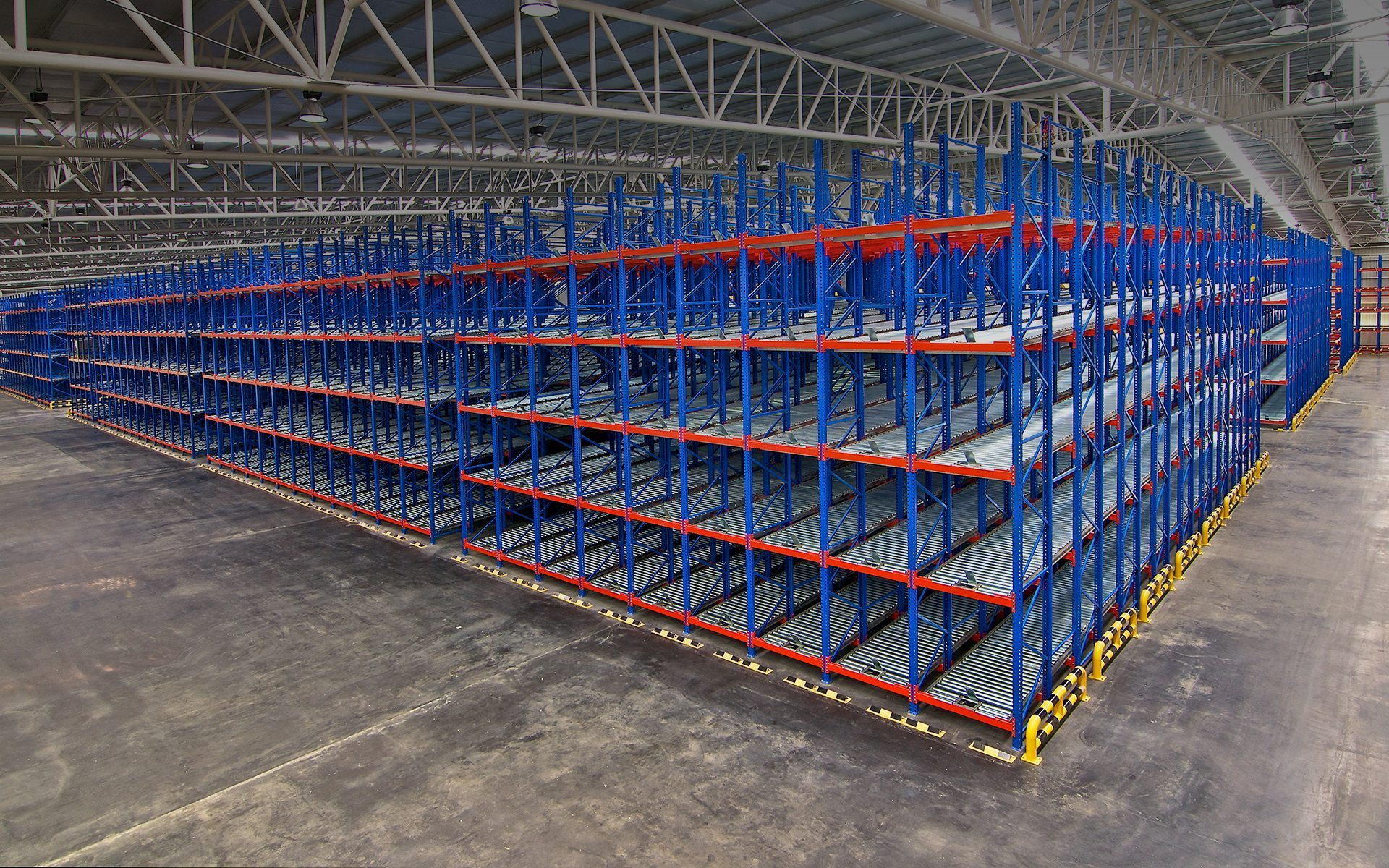 distribution-center-warehouse-storage-concrete-floor