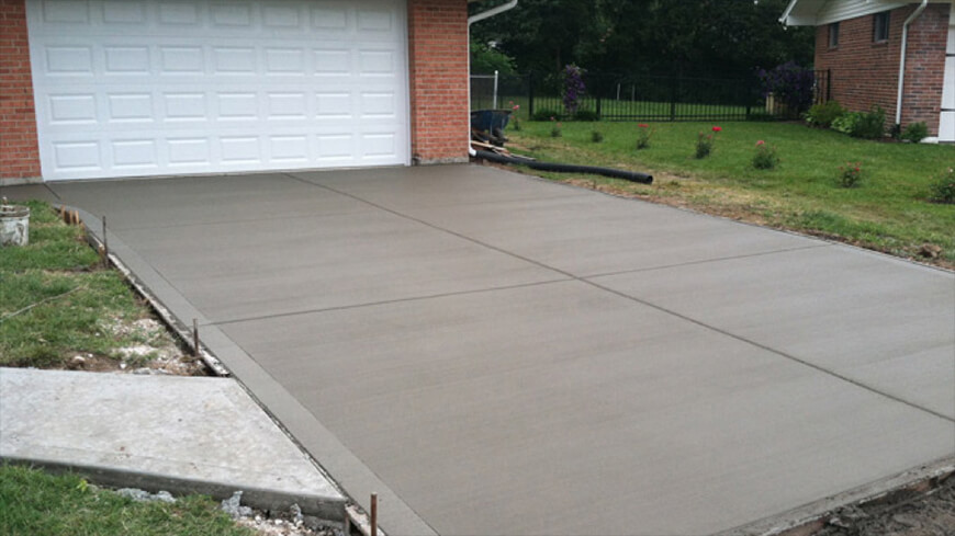 Choosing Between Concrete Pavers and Poured Concrete 2