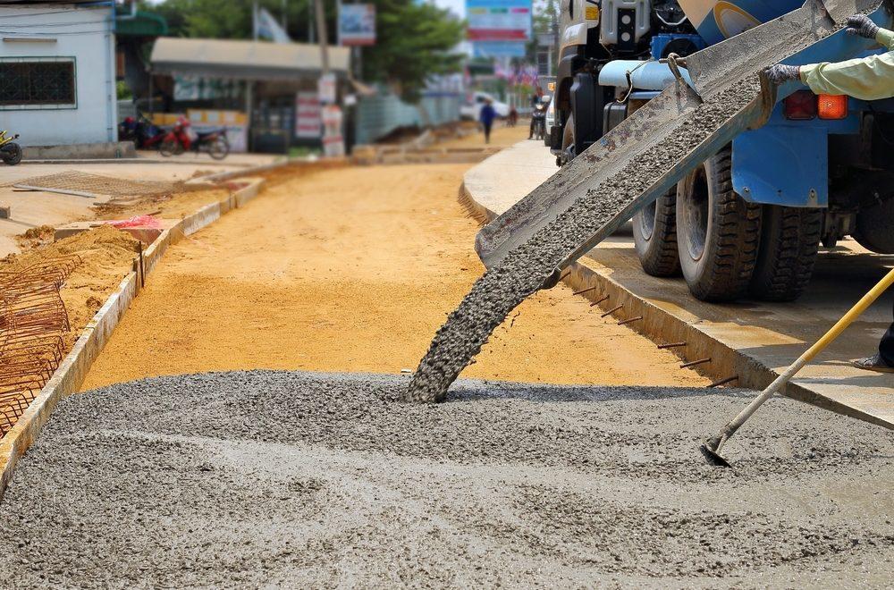 concrete-sidewalk-cement-pour