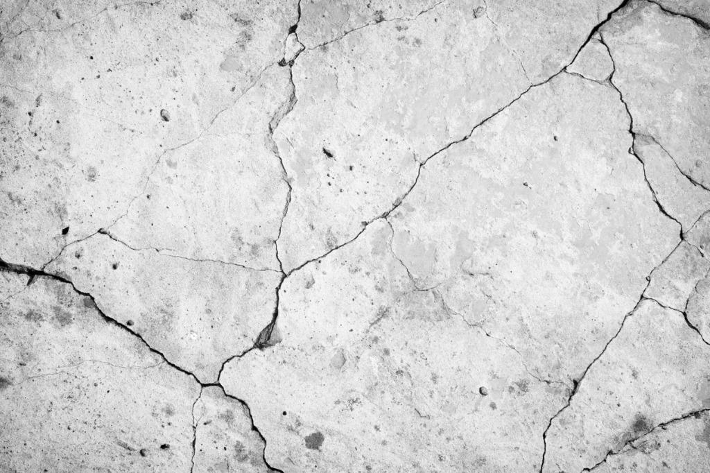 Cracked-concrete
