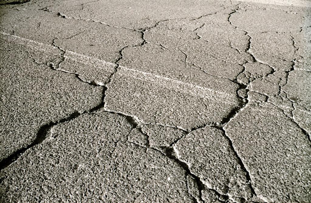 Cracked-pavement